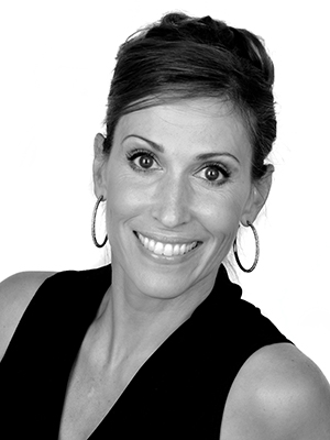 Jenni Coles is a dance teacher and choreographer of ballet in Bellevue, WA. She teachers beginning and experienced pre-teen and teen dancers.